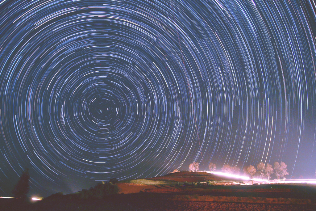 Startrails - Red Earth north pole 1.JPG