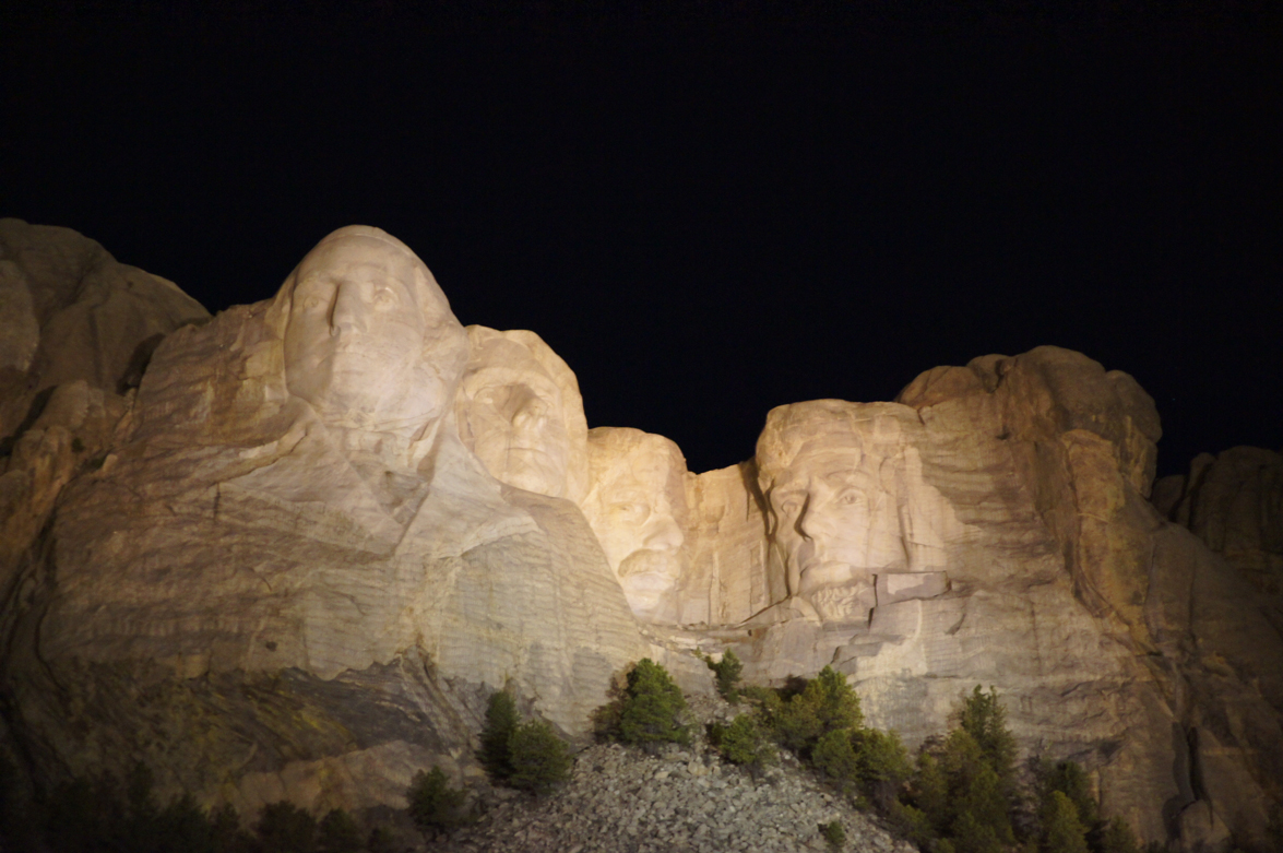 Mount-Rushmore-@night.jpg