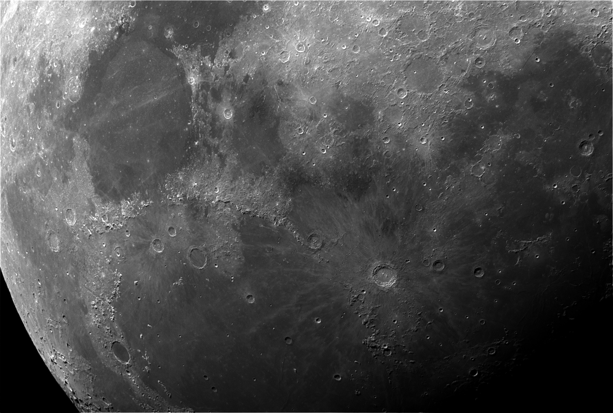Moon_25Aug15_2_Reg_small.jpg